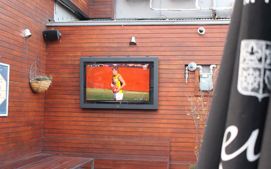 Beehive Hotel full outdoor TV enclosure with 55inch TV